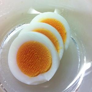 フライパンゆで卵は加熱時間が短いので節約になります