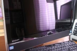 PCモニタ グレア液晶画面に反射防止フィルムを貼ったら超快適!
