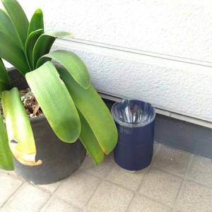 蚊取りボトルを玄関先に設置